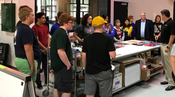 Sign Manufacturing Day